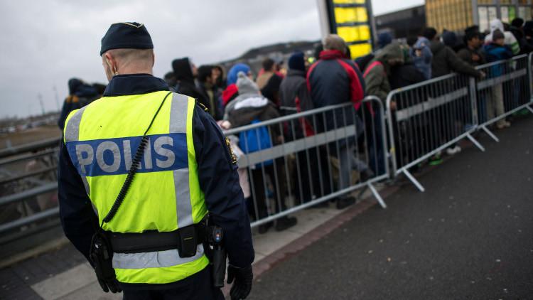 السويد.. أعمال شغب بأحد مخيمات اللاجئين تلحق أضرارا مادية كبيرة
