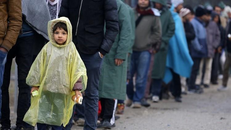 الداخلية الألمانية: لن نستخدم السلاح ضد اللاجئين