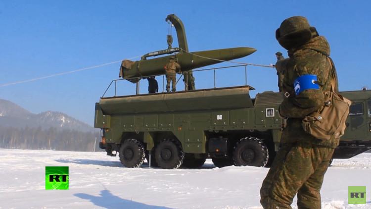 تدريبات عسكرية باستخدام صواريخ