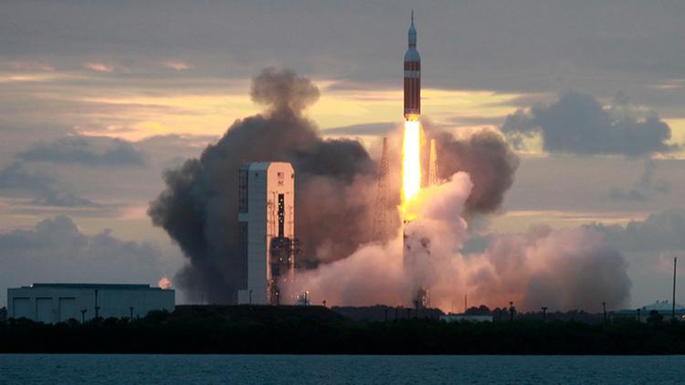 ناسا تطلق 13 قمرا صناعيا صغيرا إلى الفضاء استعدادا لزيارة المريخ