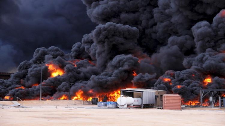 فرنسا وبريطانيا تستبعدان التدخل العسكري في ليبيا وأمريكا وإيطاليا تربطانه بالتداعيات على الأرض