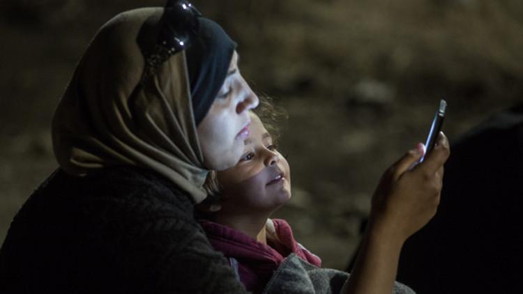 ألمانيا.. سوريان يطوران تطبيقا على الهواتف الذكية لمساعدة اللاجئين