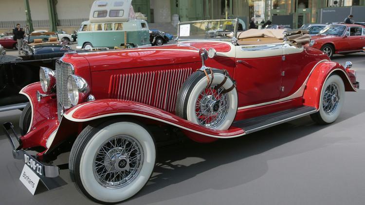 سيارة Auburn 12-161 المكشوفة إنتاج عام 1933