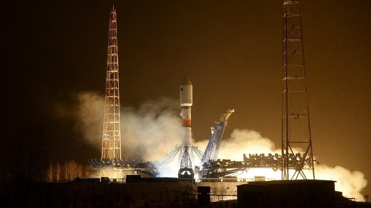 روسيا تطلق القمر