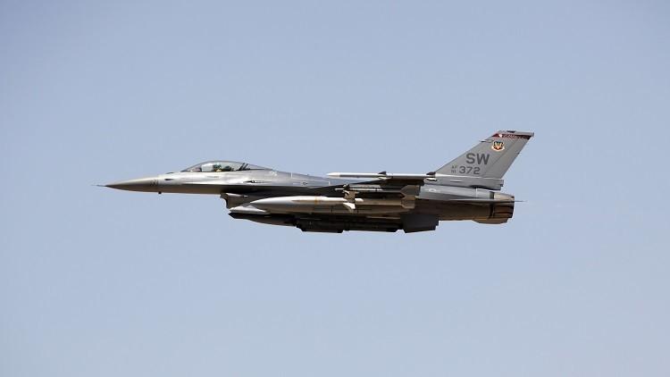 مسؤول تونسي يتوقع تدخل الغرب عسكريا في ليبيا الشهر المقبل