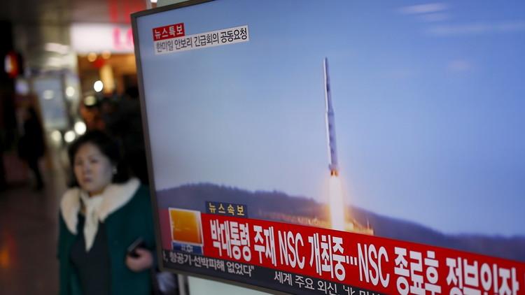 الاستخبارات الأمريكية: بيونغ يانغ تطور صاروخا باليستيا جديدا عابرا للقارات