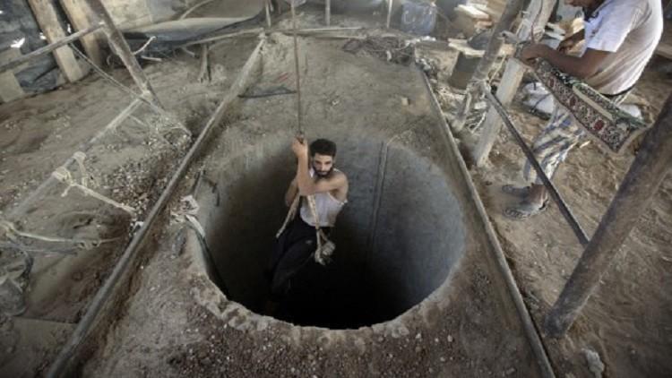 مقتل ناشط من القسام بانهيار نفق في غزة
