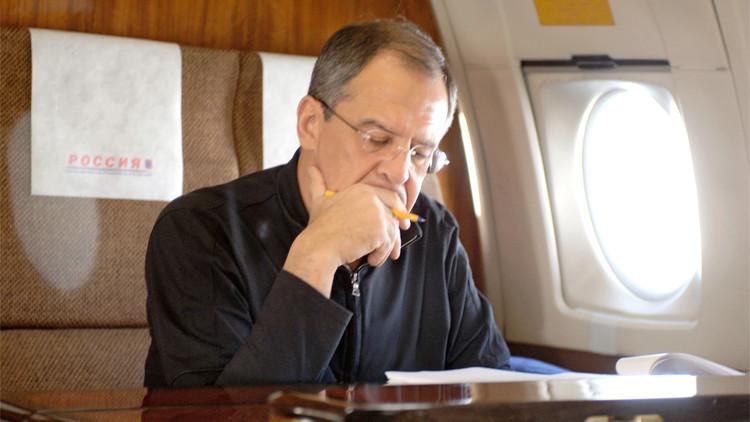 كم ساعة قضى لافروف في الطائرة منذ تعيينه وزيرا للخارجية؟