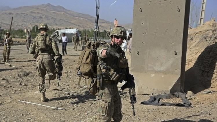 مقتل ضابط شرطة أفغاني بعد إطلاقه النار على قوات التحالف