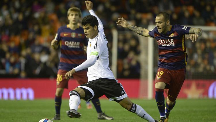 برشلونة يتخطى خفافيش فالنسيا ويبلغ نهائي كأس إسبانيا