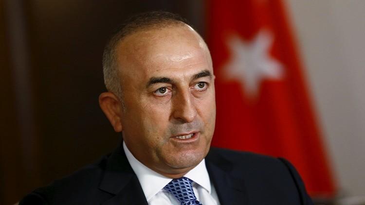 وزير الخارجية التركي: غير قادرين وحدنا على الاستمرار في قبول اللاجئين