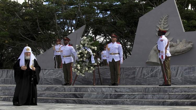 البطريرك كيريل يلتقي فيديل كاسترو والعلاقات الروسية الكوبية محور البحث
