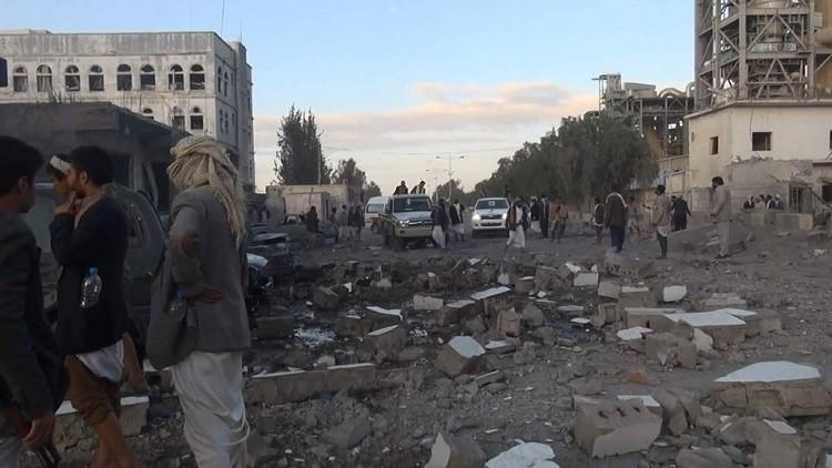 مقتل شخصين في قصف طال ورشة خياطة بصنعاء
