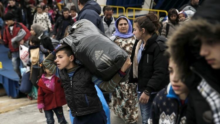 يونانيون يتظاهرون في جزيرة كوس رفضا لإقامة مركز تسجيل مهاجرين