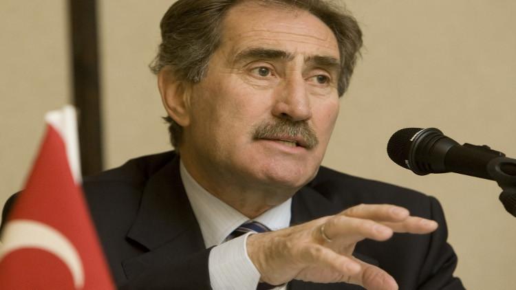 وزير تركي سابق: يجب معاقبة قاتل الطيار الروسي