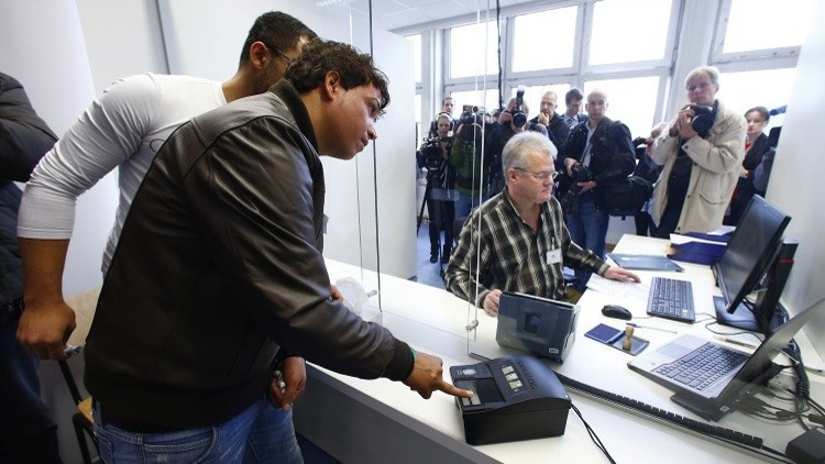 حزب ميركل: الاندماج واجب على الدولة واللاجئين على حد السواء
