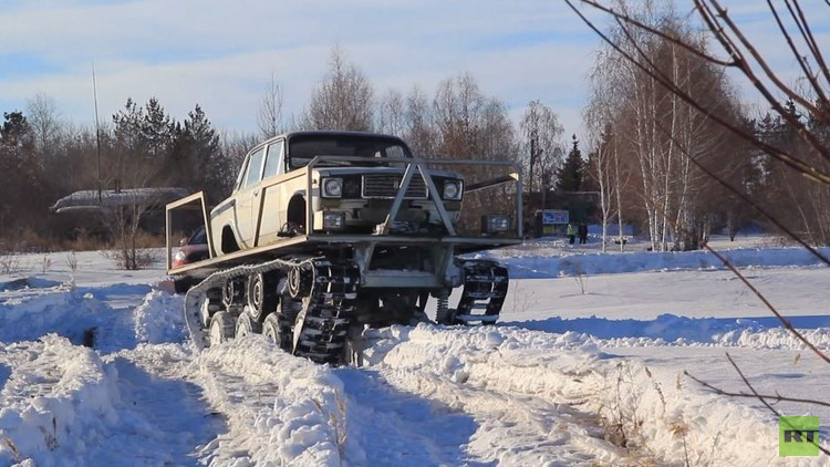 هيكل سيارة لادا على جنازير دبابة (فيديو)