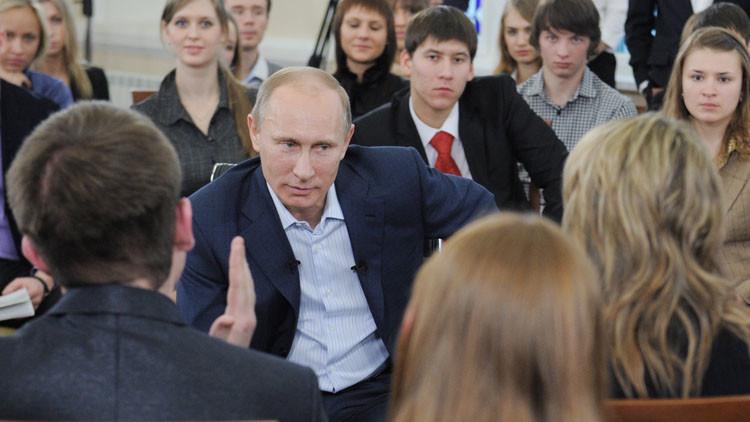 ماذا يريد بوتين من مهرجان الشبيبة العالمي المقبل في روسيا؟
