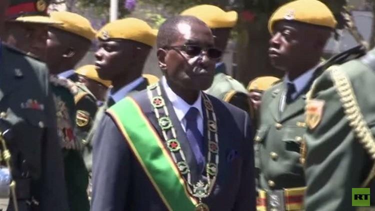 موغابي يحذر أعضاء حزبه في زيمبابوي من النزاع على من يخلفه