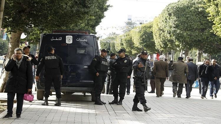 السبسي يمدد حالة الطوارئ مجددا في تونس لمدة شهر