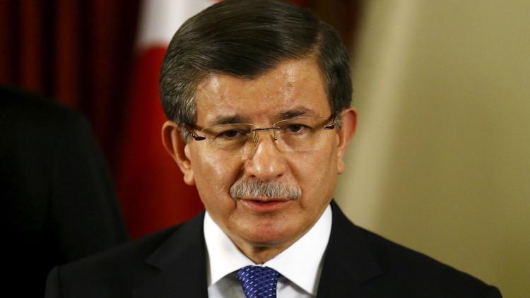 داوود أوغلو: قطاع السياحة التركي يعاني بسبب التوتر مع روسيا