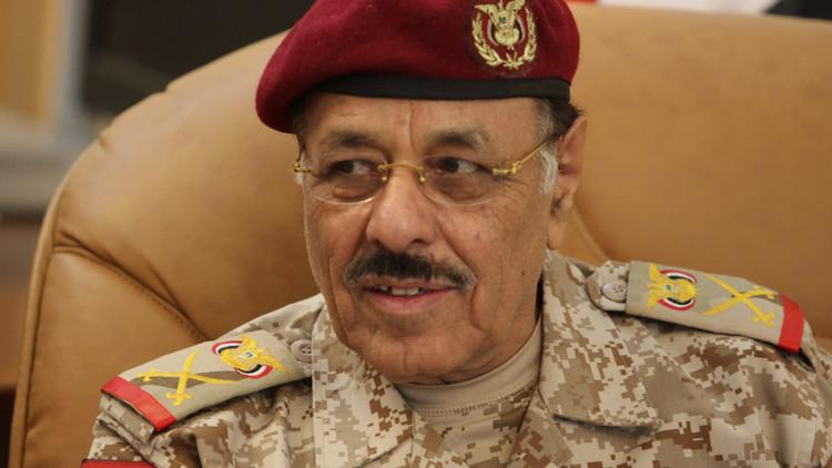 هادي يعين علي محسن الأحمر نائبا للقائد الأعلى للقوات المسلحة اليمنية