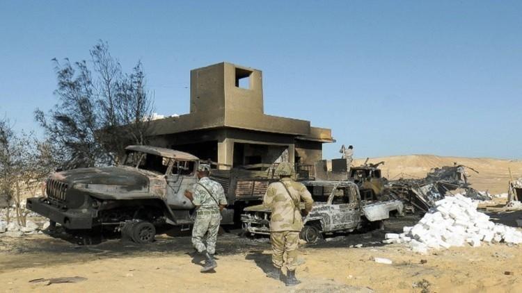 مقتل ضابط ومجند في انفجار استهدف مدرعة شرطة بسيناء