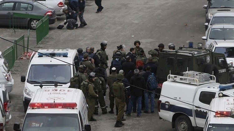 مصادر فلسطينية: مقتل امرأة فلسطينية وإصابة ابنتها بعد تعرضهما للدهس من قبل مستوطن