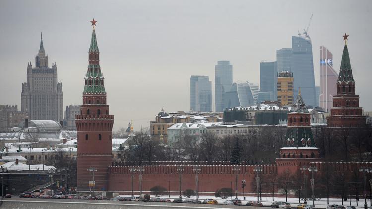 الكرملين: مواقف موسكو ودمشق من تسوية الأزمة السورية ليست متطابقة تماما