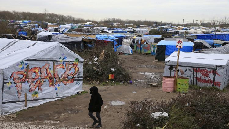 نحو 1000 مهاجر غير شرعي يحاولون التسلل من فرنسا إلى بريطانيا