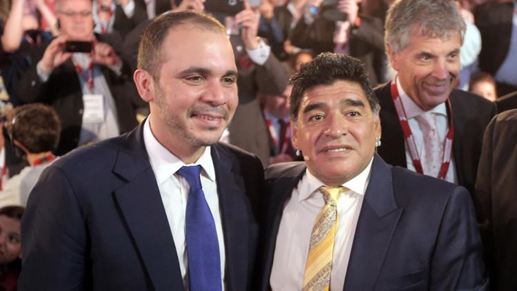 الأسطورة مارادونا يطالب بسجن بلاتر وبلاتيني مدى الحياة