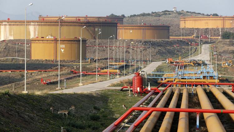 تركيا تعلن بدء العمل في إصلاح خط أنابيب ينقل النفط الخام من شمال العراق