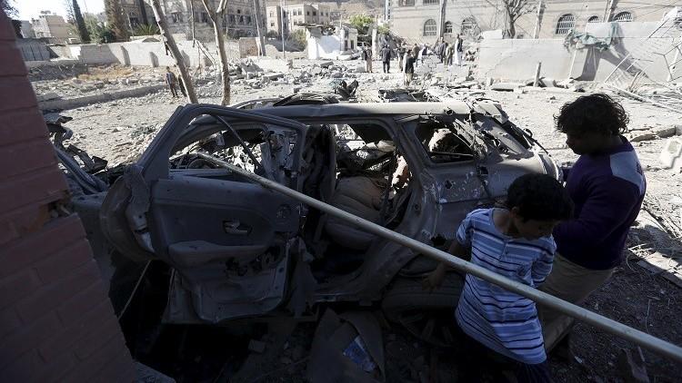 مقتل 30 مسلحا ومدنيا على الأقل في غارة جوية شرق صنعاء (فيديو)