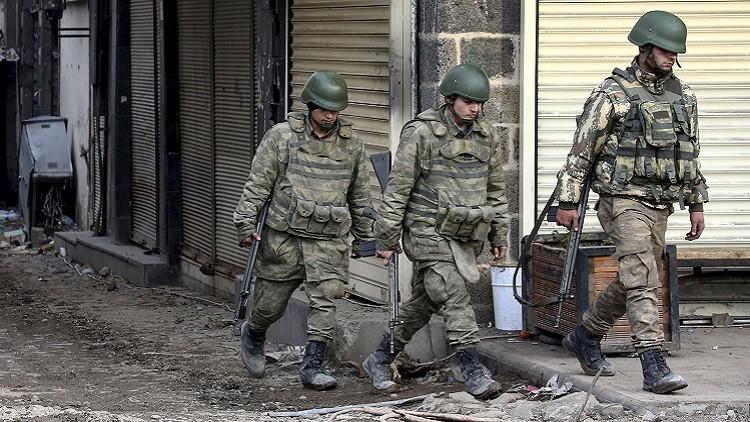 احتجاجات جنوب شرقي تركيا تلاقي ردا قاسيا من الشرطة (فيديو)