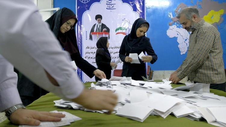 إيران.. الإصلاحيون يتقدمون في الانتخابات البرلمانية بطهران