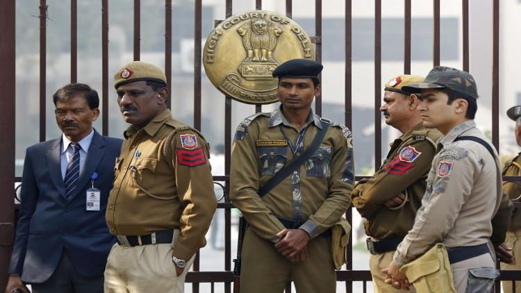هندي يقتل 14 شخصا من عائلته ثم ينتحر!