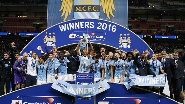 مانشستر سيتي يعانق كأس رابطة الأندية الإنجليزية .. (فيديو)