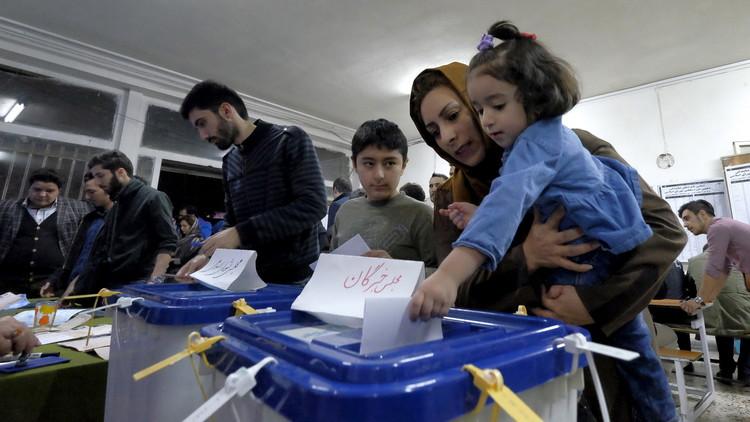 الإيرانيون يختارون الإصلاح والاعتدال