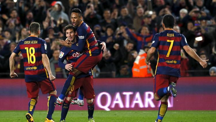 برشلونة ينجو من كمين إشبيلية.. (فيديو)