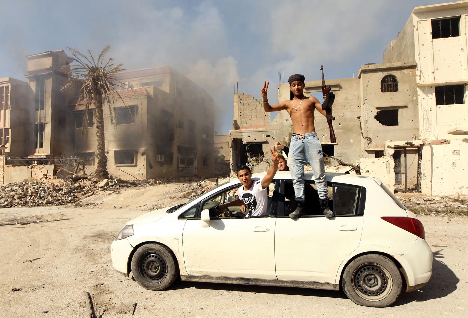 أشباح غامضة تظهر في بنغازي!
