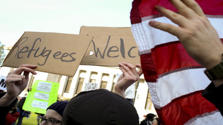 قاضية أمريكية تعطل قرار حاكم إنديانا بشأن اللاجئين السوريين