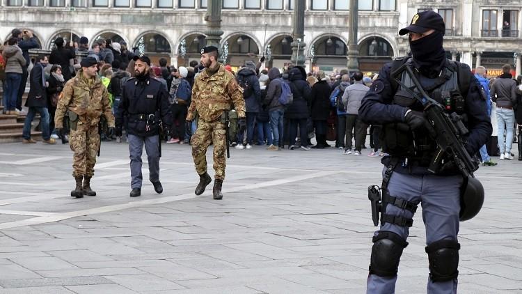 إيطاليا تبحث عن سجانين عرب!