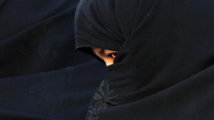 الأفغانيات المتهمات بجرائم الشرف يجبرن على اختبار العذرية!