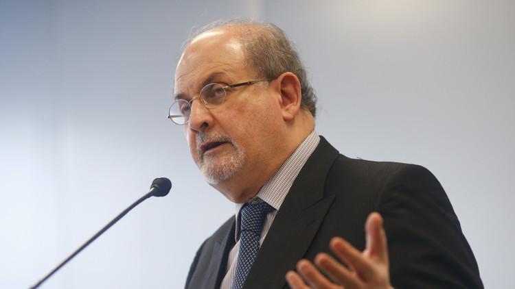 رفع المكافأة على قتل سلمان رشدي 600 ألف دولار