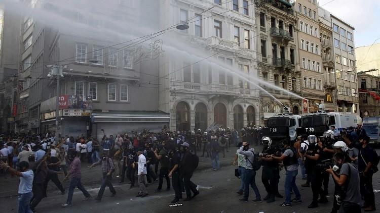 السلطات التركية ترفع حظر التجوال جزئيا عن بلدة سيزري جنوب شرق البلاد