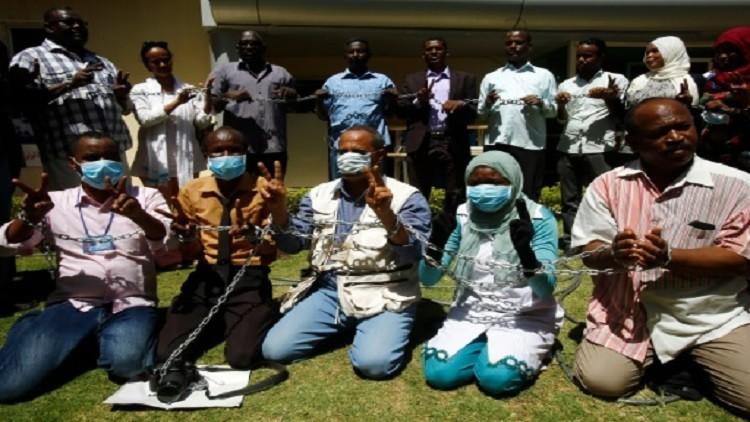 انتهاء إضراب 30 صحفيا سودانيا عن الطعام