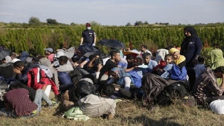 تركيا تعتقل مهربي بشر وتمنع 120 مهاجرا سوريا من الإبحار إلى اليونان