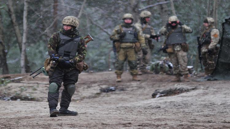 مقتل عسكري أوكراني بانفجار مستودع ذخائر في لوغانسك