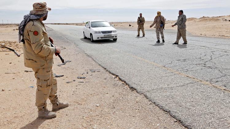 ليبيا.. مقتل 3 عناصر أمن قرب مصراتة وغارات على سرت