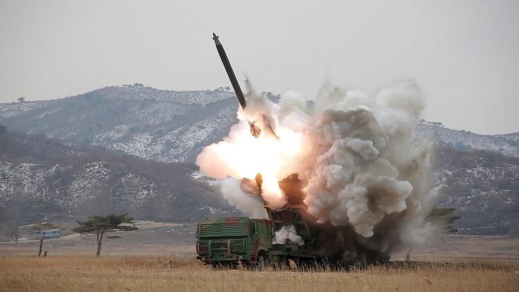 بيونغ يانغ تتحدى العالم وتطلق صاروخين بالستيين